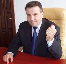 Бюджетные схемы и скелеты в шкафу семейного клана Валерия Гнатенко