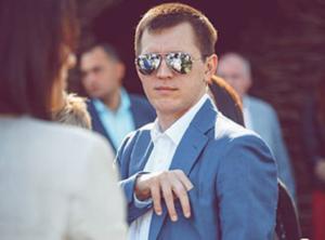 Законно «накосив»: прокурор — олігарх Павло Міленін і його мільйони