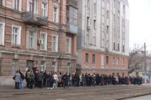 Сокращение расходов на содержание гос.аппарата: ГНА в Одесской области обзаводится «крайне необходимыми» ноутбуками Apple